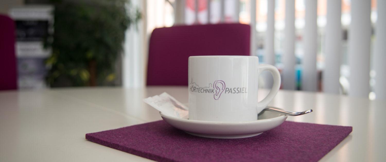 Eine gemütliche Tasse Kaffee HÖRTECHNIK PASSIEL